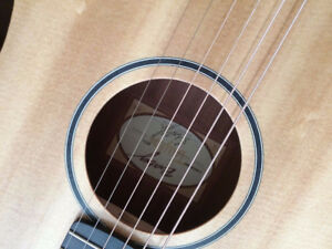 Taylor acoustic guitar BT1e Baby