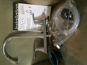 Kitchen faucet with side spray - BRAND NEW