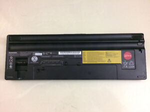 Genune Lenovo Battery/dock FRU 42T4739 42T4740