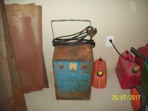 OLD GARAGE TYPE BATTERY CHARGER