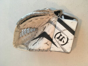 Warrior Ritual Youth Goalie Gloves Left Glove