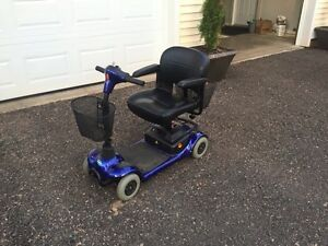 Invacare Lynx L-4 Scooter with 2 new batteries