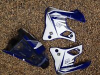 Yz 125 2000 petrol tank and shrouds