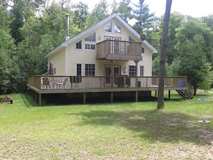 Large Cottage for rent on Big Beautiful Lake Missasagagon