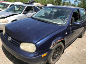 2001 Volkswagen Golf ** FOR PARTS ** INSIDE & OUTSIDE **