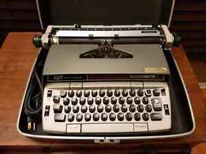 Smith Corona Electra 220 Automatic Electric Type writer