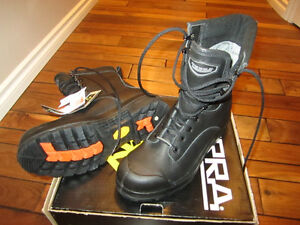 Size 8 Mens Steel Toe Work Boot -NEW-