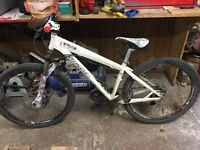 SPECIALIZED P3 MOUNTAIN BIKE/DIRT JUMPER