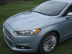 Ford Fusion Energi (rechargeable) SE 2014