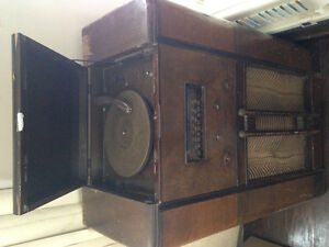 Antique record/stereo player