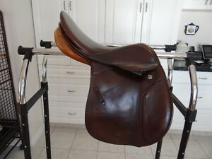 Saddle Stubben Roxanne all purpose, excellent condition Prince George British Columbia image 2