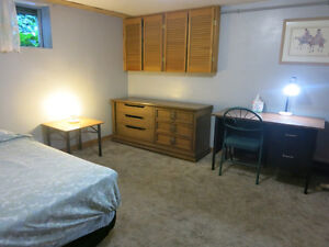 BIG ROOM FOR 2 STUDENTS TO SHARE----AVAILABLE FROM JUNE OR JULY
