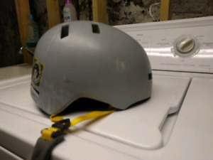 Medium snow board/ski helmet