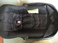 Newborn car seat £7
