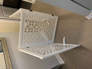 Selling barely used beautiful white pet gate
