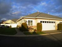 Well kept, rancher with loft in gated complex.... 55+