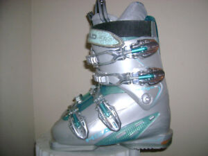 Downhill ski boots for men and women