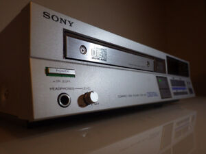 Rare 1983 Vintage Sony CDP-200 Compact Disc Player