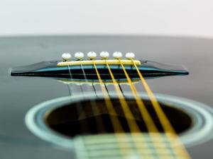 Ajustement & réparation guitare acoustique & classique - Luthier