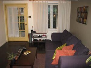 2 BEDROOM GARDEN SUITE IN KERRISDALE