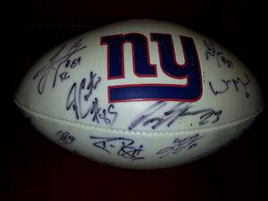 Ballon de Football des Giants de New York autographié West Island Greater Montréal image 1