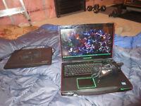 Alienware M17x Laptop w/ Laptop Cooler Fan