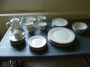 Royal Doulton dinner ware set