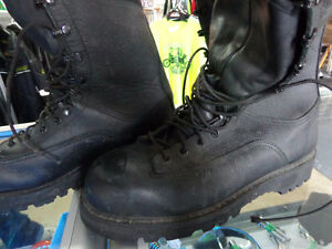 Combat Boots-NEW- size 10 1/2    -recycledgear.ca