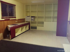 Commercial Space for Rent 695 sq ft