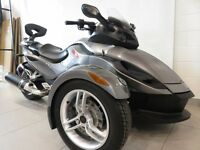 2011 Can-Am SPYDER RS SM5 - 14 500 KM 53,78$/SEMAINE
