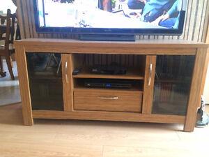 Meuble bas pour télé HD