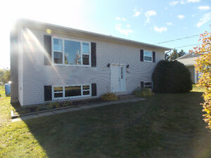 BEAUTIFUL HOME!!  Great area close to all amenities!!