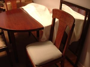 SOLID PINE DINING TABLE PLUS 6 CHAIRS Peterborough Peterborough Area image 3