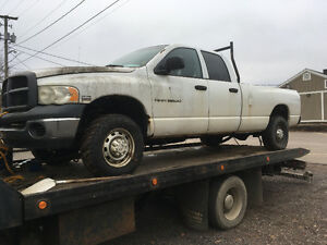 Parting out 04 dodge long box