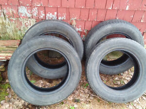 For sale excellent condition P195x65rx15 All-Season radial tires