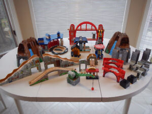 THOMAS TRAIN WOODEN TRAINS,TRAIN TABLE,TRACKS AND MORE
