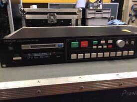 Denon DN1100r mini disc recorder/ player