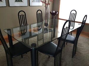 glass dining table and 6 chairs!