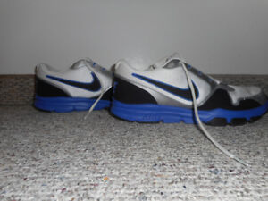Nike Air Flex Trainers.. BRAND NEW $40 Great condition