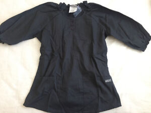 BNWT Buttersoft Scrubs 3/4 Sleeves Size Small