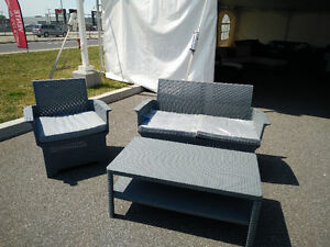 3 piece balcony set with cushion only 150$!