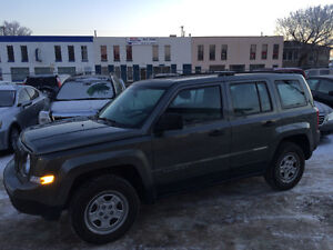 2011 JEEP PATRIOT 4X4 BASE MODEL, ONLY 68000kms....Very Clean