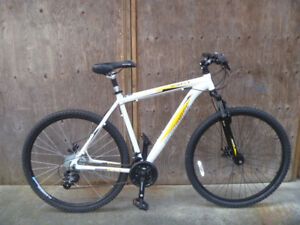 Iron Horse Desparado hardtail disc 29er mountain bike