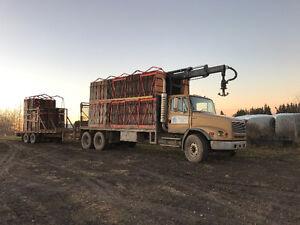 '03 Picker Truck Freightliner F112
