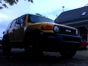 Looking for toyota fj 2007 roof rack