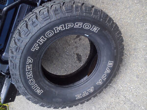 1 pneu 285/70/r17 mickey thompson baja atz