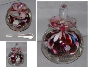 VINTAGE PERFUME BOTTLE WITH STOPPER
