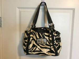 Lot of 7 purses for sale