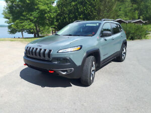 2015 Jeep Cherokee Trailhawk! Low kms! Extended Warranty!