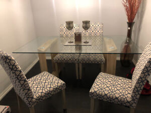 DINING  TABLE SET 7 PIECE FOR SALE